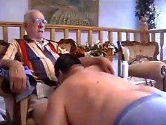 Compalations hos Older Män på lek
