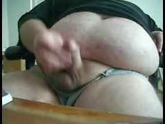 Chubby Bear Jerk Off seinen fetten Schwanz 2 (BIG LOAD)