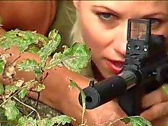 Boundheat.com dan Slave Huntress 2