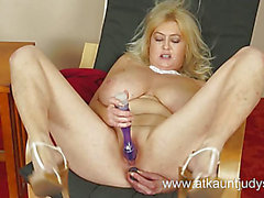 Wicked mother i'd like to fuck toys her sexy wet crack