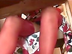 Abuela muestra sus gatito del tetas y