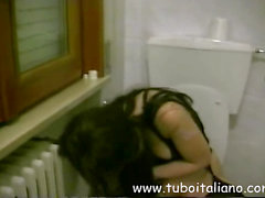 Piss: Katia Nice Italian Amateur