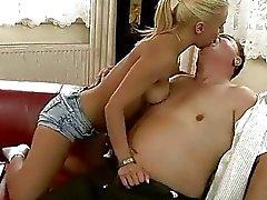 Naughty Teen la baise vieux professeur privés