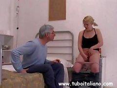 Italian Blonde Teen Sorella Arrapat
