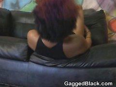 Kıvırcık Saçlı Siyah Ghetto Slut Her Yüz Aşurelik Başlarken