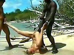 Rassen Flotter Dreier durch den Ozean