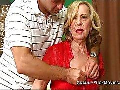 Granny on kokeneet kullia hölmö