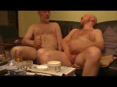 Yetişkin Erkekler Kenar ve Mastürbasyon
