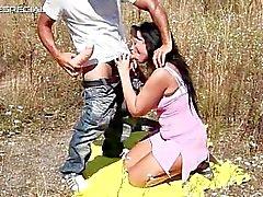 Kiimaisen MILF pääsee naidaan ulkouima Osa 4