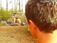 Gays com tesão na madeira