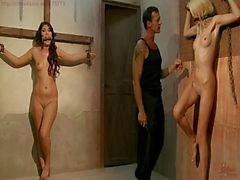 Menina do escravo recolhidos , treinado, atormentada para auction