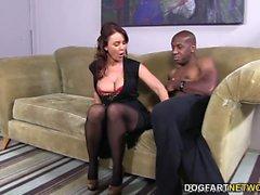 Janet Mason versucht Mandingos riesigen schwarzen Schwanz