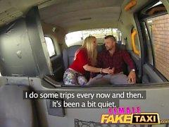 FemaleFakeTaxi Welsh grabben får a fina överraskningen