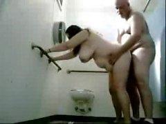 Dostum Kamu Tuvalet A büyükanne meali