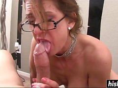 Nerdy girlfriend gives a blowjob in POV