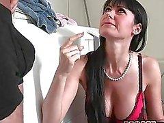 Französisch Stiefmutter und Teen genießen dicken Prügel reingesteckt miteinander