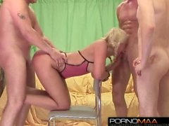 Skinny guy fucks amateur blond