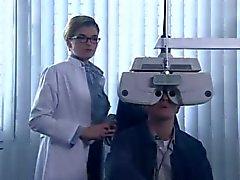 De anke Engelke del als geile Augenaerztin