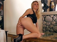 Solo girl Natalia Starr plays with her coochie