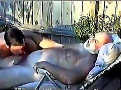 Hårigt morfar sugs Rabatt Av Barn Man