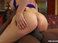 Furcia Chicas a Daphne Rosen sexo interracial !