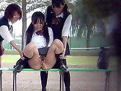 gli adolescenti del feticcio di Giapponese la pipì