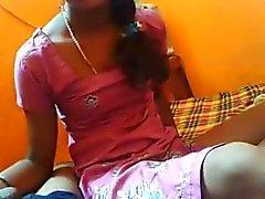 Do desi fg permite que ela foder namorado no posição de missionário