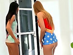The hottest teens on the net Lady Dee and Alexis Crystal