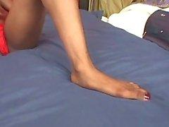 Bacak ile kendi başına am ile cock işkence oynuyordu Karadeniz Foot Fetish sürtük