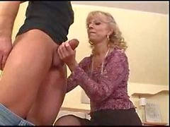 Mature Hot Mom menee suoraan Anaalinen