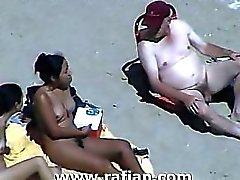 Vida Rafian la playa desnuda # 04