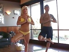 Tasha Herrschaft Fucks die Yoga Teacher !