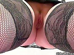 Scottish milf Toni Lace needs it bad