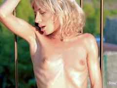 Skinny naked blondes Stephanie rubs her snatch in her sun