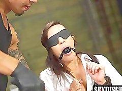 vagabunda impertinente Rachel Rae desfrutar Brunos forma de fudendo duro