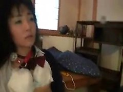 Surkea Japani typykkä kaksi nastoilla suunnilleen jyskytys hän naarissa