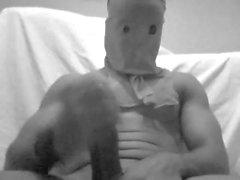 Maskierte Monsterschläge und Nüsse