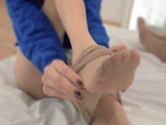 Unbeleivable lezzie nylon love strapon