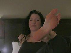 Sexy milf foot goddess