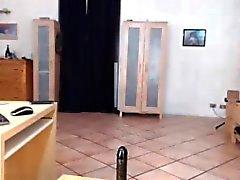 Belly Dancing Webcam Girl RIdes Dildo