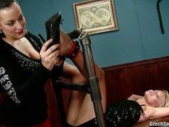 Ceche I piedi sexy della - di Jana di Cova di conoscere calda bocca Isabel ( 2,011 mila ) Jana Cova d'