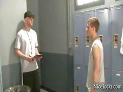 Gym Teacher durchstöberst den Studens part6