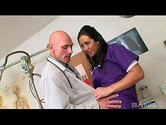 Dicke Titten Krankenschwester Jayden Jaymes gefickt