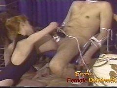 Mistress Merciless team para fazer o galo de um escravo machucar ruim