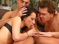 Бисексуалы бассейна секса
