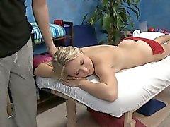 Seksi bir sekiz yaşındaki sıcak hoppa kadın
