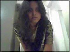 Gujarati girl Nadia exposing - desibate