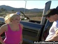 AdultMemberZone - пупсик обманывает блондинку, чтобы вернуться в студию.