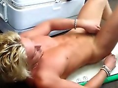 Geradeaus blond großes Stück Pfandleihhaus Abisolieren