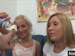 Duas meninas gostaria de compartilhar um pau